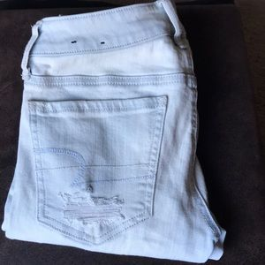 AE Super Low Rise Distressed Jegging